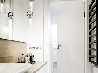 Drzwi łazienkowe – praktyczne i ozdobne zarazem