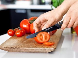 Nóż do pomidorów Fiskars Edge.