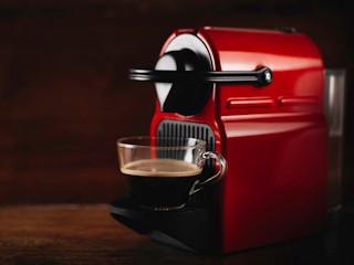 Poznaj wszystkie zalety kompaktowych ekspresów do kawy