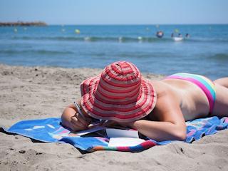 Bądź bezpieczna na wakacjach