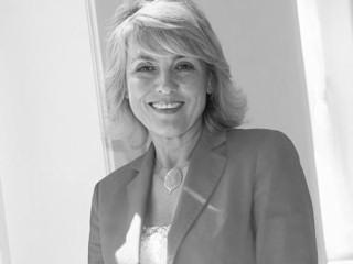 Jolanta Szymanek-Deresz - blondynka w czerwieni