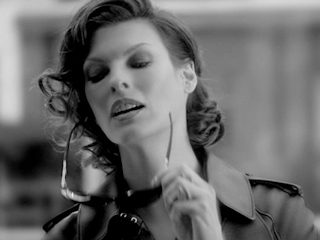 Linda Evangelista została ambasadorką nowego zapachu Loewe.
