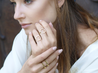 Ditta Zimmermann radzi jak pielęgnować biżuterię.