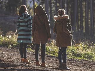 Buty na jesienne, rodzinne przechadzki