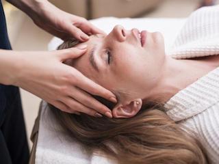 Masaż głowy- czym jest i jak go robić.