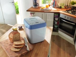 Automat do pieczenia chleba – na co zwrócić uwagę przy zakupie.