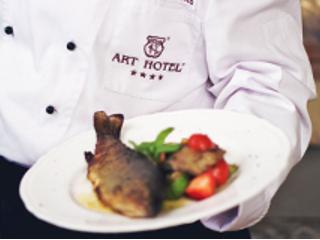 Uroczysty obiad w Art Restauracji przy wrocławskim ART Hotelu.