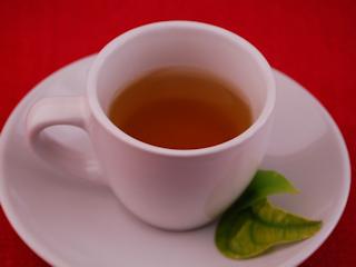 Odmładzanie z białą herbatą.