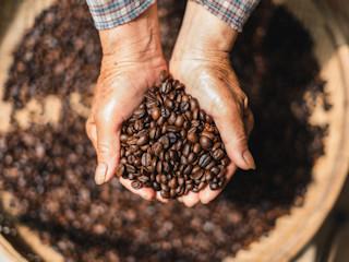 Ekspres na kapsułki - jakie rodzaje kaw robi?
