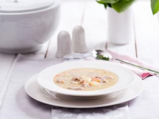 Żurek czy barszcz biały? Co różni te zupy?