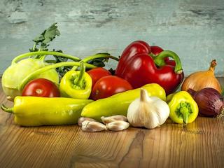 Jakich witamin dostarczyć organizmowy z warzyw, owoców i mięs.