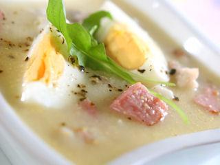 Jak przyrządzić wielkanocną zupę wykorzystując przyprawy KUCHAREK.